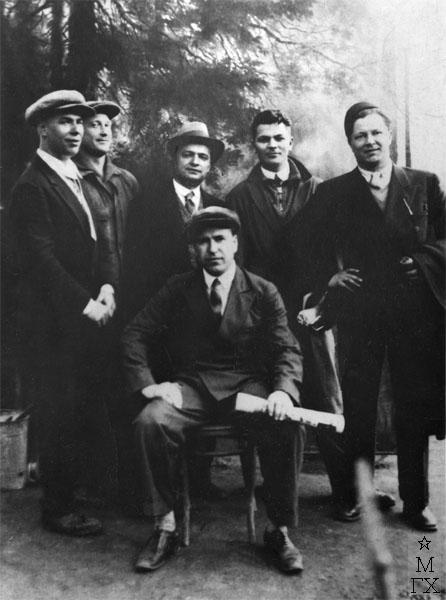 Константин Вялов, Георгий Нисский, Георгий Ряжский, Фёдор Антонов, Фёдор Богородский и Александр Дейнека (сидит). 1953 г.