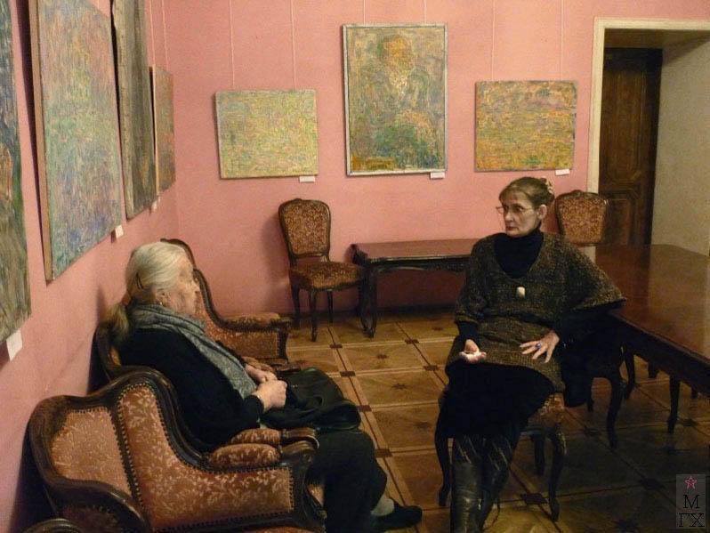 Cавченкова М.В. и Лисенкова Е.А. на выставке памяти В.М. Диффинэ-Кристи 2-го апреля 2011 г. в Москве в Доме журналиста.