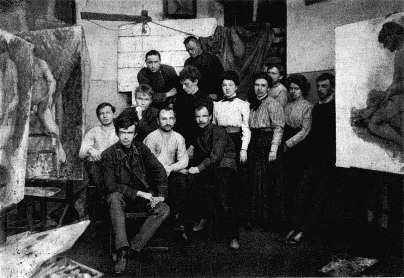Н.И. Фешин с учениками в натурном классе Казанской худ. школы. 1916-1917 гг.