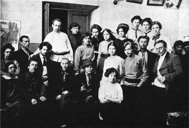 Н.И. Фешин среди учеников Казанской худ. школы. 1910-е гг.