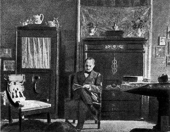 С.Ю. Жуковский в своей мастерской. 1913-1914 гг.