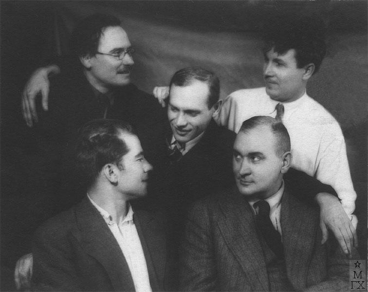 Сидят слева направо - Н/у, П.П. Соколов-Скаля; стоят - А.Е. Куликов, В.П. Ефанов,  Н.П. Христенко