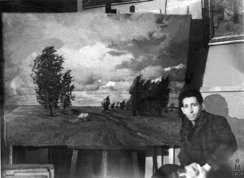 А.Н. Либеров у картины