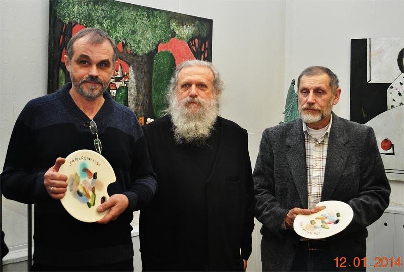 Юрий Попков, отец Александр Егоров, А. Смирнов на выставке в галерее «Замоскворечье» .